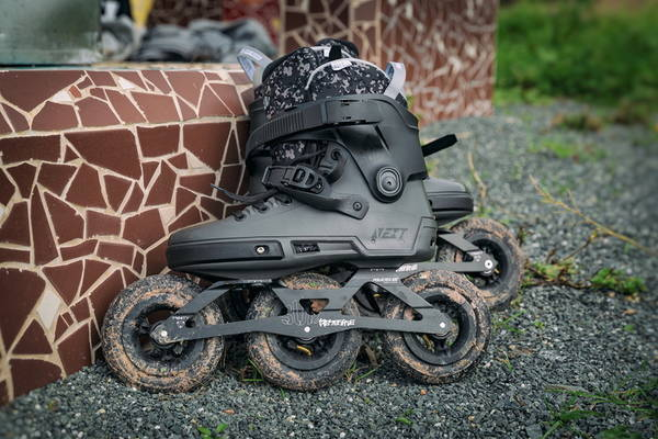9bc79b9e The wheel size makes this skate fast and agile, which is perfect if you're  looking to have some fun on BMX trails, big air sessions on dirt tracks or  on an ...