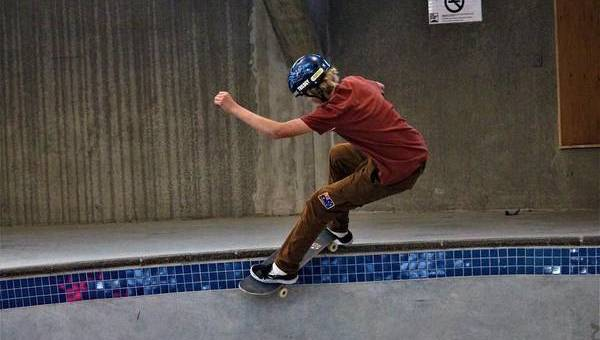 Enter the big bowl with SkatePro team rider Noah Graetsch