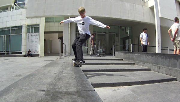 MACBA - Visiting one of the best skateboard spots in the world